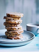 Currant and lemon shortbread with vanilla glaze