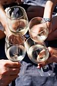 Lutz Müllers Straußwirtschaft auf Schloss Albrechtsberg bietet köstlichen Wein