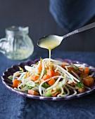 Möhren-Mung-Salat mit Senfdressing