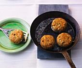 Unripe spelt grain cakes with vegetables