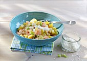 Potato salad with prawns and canellini beans