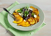 Bratkartoffel-Mango-Caprese mit frischem Salat