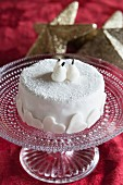 Almond and pear cake with white icing