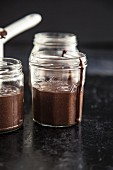 Schokoladenmousse im Einmachglas