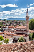 Safranbolu: The Kazdagi mosque, with the ham-am in the background between the villa-like Konaklar houses, Turkey