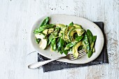 A mange tout salad with avocado