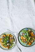 Rocket salad with fried mushrooms