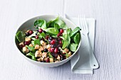 Lamb's leaf salad with tofu and mixed berries