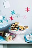 Florentiner mit Cranberries, Pistazien, Aprikosen und weisser Schokolade zu Weihnachten