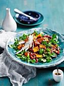 Gebratener Kürbissalat mit schwarzem Quinoa und Brunnenkresse