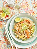 Noodles with prawns, spring onions, peanuts and bean sprouts (Asia)