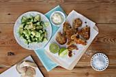 Frittierte Austernpilze mit Avocado-Gurkensalat und Limettenmayonnaise