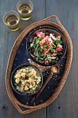 Veganer Bulgur-Tomaten-Salat mit Hummus