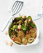 Veganer Sommersalat mit Zucchini-Piccata