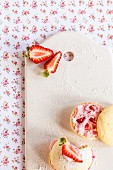 Whoopie pies with strawberry quark