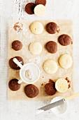 Various vanilla and chocolate whoopie pies