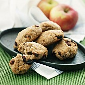 Wholemeal biscuits with apple
