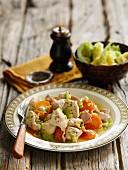 Eintopf mit Huhn, Schinken, Karotten, Sellerie & Senf