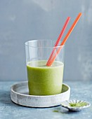 Wheatgrass and banana smoothie