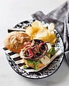 Sandwich with garlic mushrooms, Camembert and sweet and sour onions