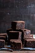 Gestapelte Brownies