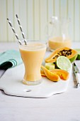 Papaya and lime smoothie