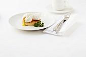 Pochiertes Ei auf English Muffin
