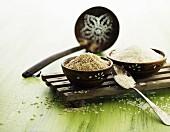 Brauner und weisser Reis