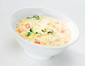 Chicken chowder (creamy chicken soup with sweetcorn and vegetables, USA)
