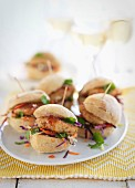 Sliders with fish cakes