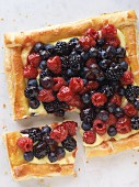 Puff pastry tart with vanilla cream and mixed berries