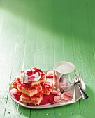 Semolina slices with almonds and crème fraîche