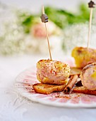 Goose liver canapés with dried fruit
