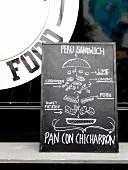 Schild für Peru Sandwich auf Food Truck Market (Hamburg)