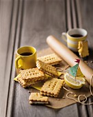 Lemon custard cream biscuits