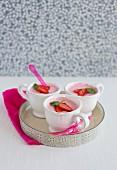 Erdbeermousse in drei Tassen