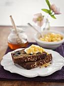 Blueberry cake with honey