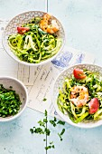 Marinierte Zucchini mit Garnelen