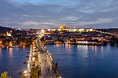 Die Karlsbrücke bei Nacht, Prag