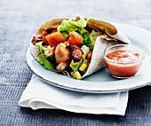 Wrap mit Gemüse und Grillfleisch