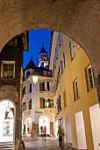 Die schöne Altstadt von Meran lädt ein zum Flanieren