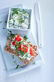Crispbread topped with herb cottage cheese