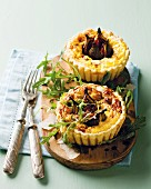 Goat's cheese tartlets with figs