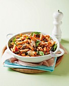 Penne arrabiata with smoked mussels