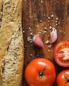 Ingredients for Spanish tomato bread.