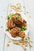 Soya meatballs and soya grains
