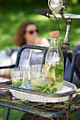 Lemon and mint iced tea for a picnic