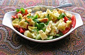 Bread salad with peppers and cucumbers