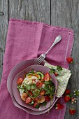 Glass noodle salad with fried prawns and strawberries