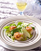 Scallops with green apples